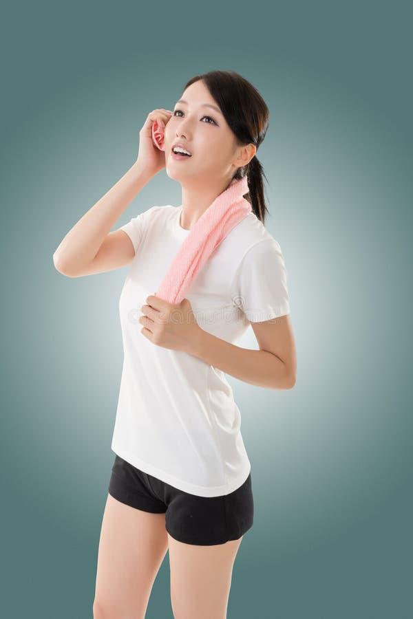 Sporty азиатская женщина стоковое фото