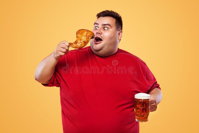 Картинки толстяк с пивом