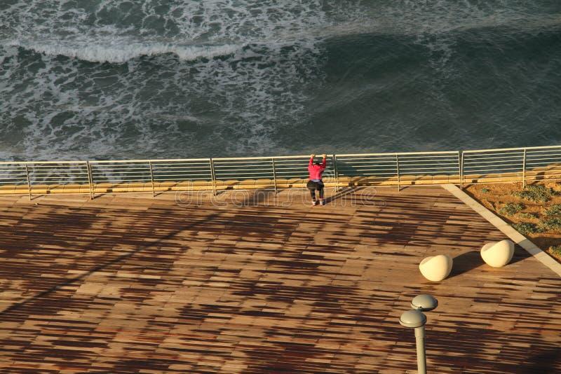 Sporty przy dennym bulwarem Netanja zdjęcie royalty free
