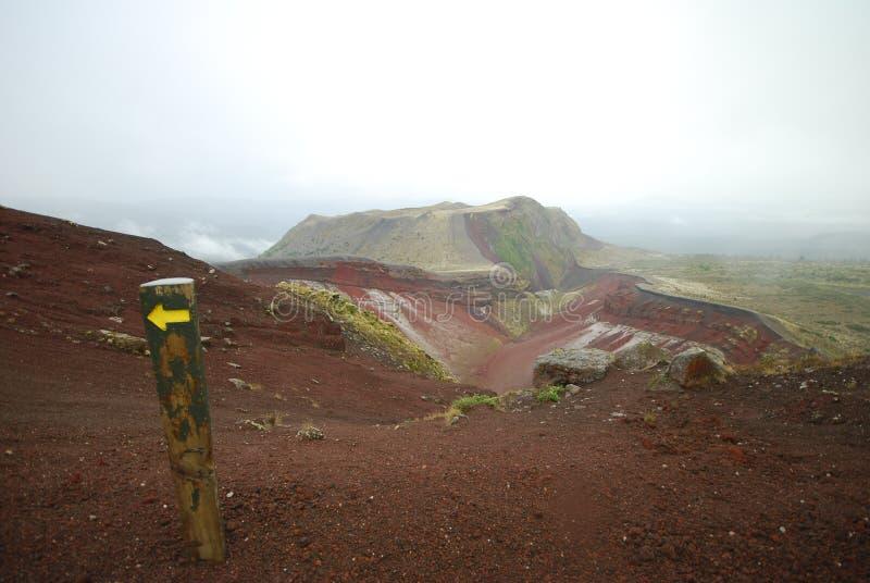 Sposób Wspinać się Tarawera krater po deszczu obraz royalty free