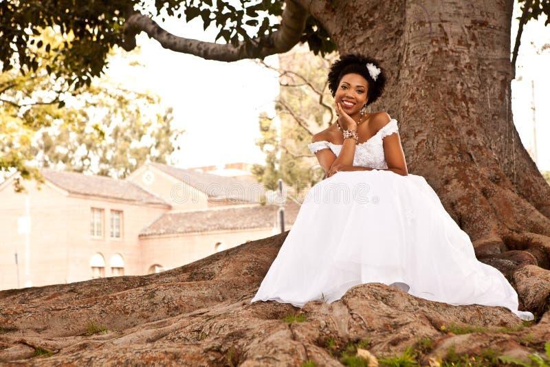 Sposa abbastanza etnica immagine stock libera da diritti