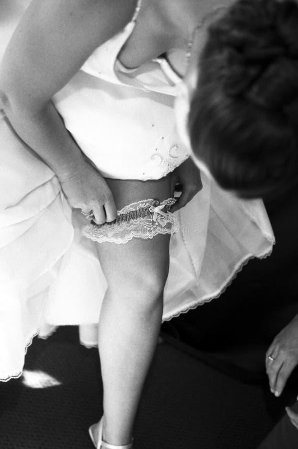 Sposa & giarrettiera immagini stock libere da diritti