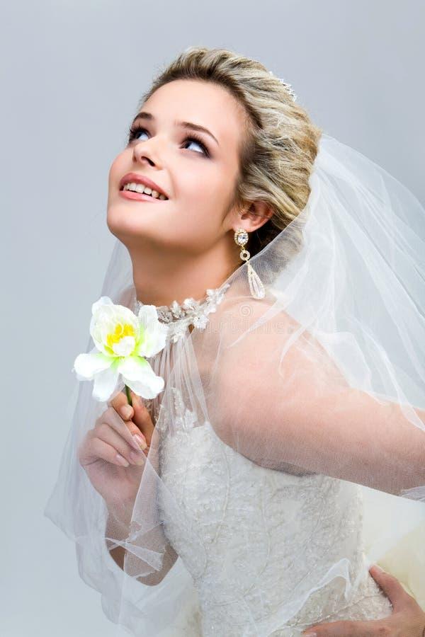 Sposa con il fiore immagine stock libera da diritti