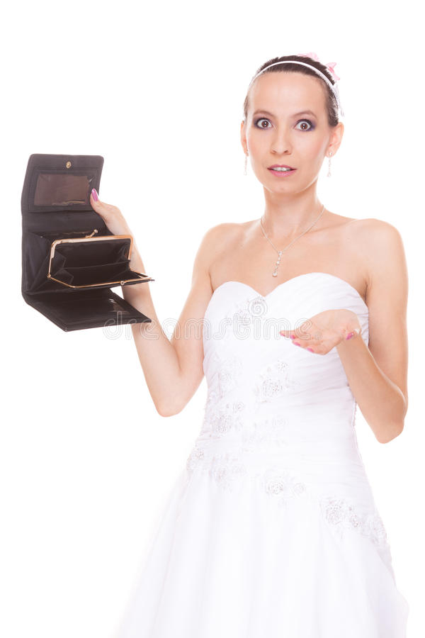 Sposa della donna con il portafoglio vuoto Spese di nozze fotografia stock