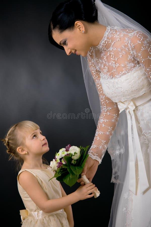 Sposa e damigella d'onore immagine stock