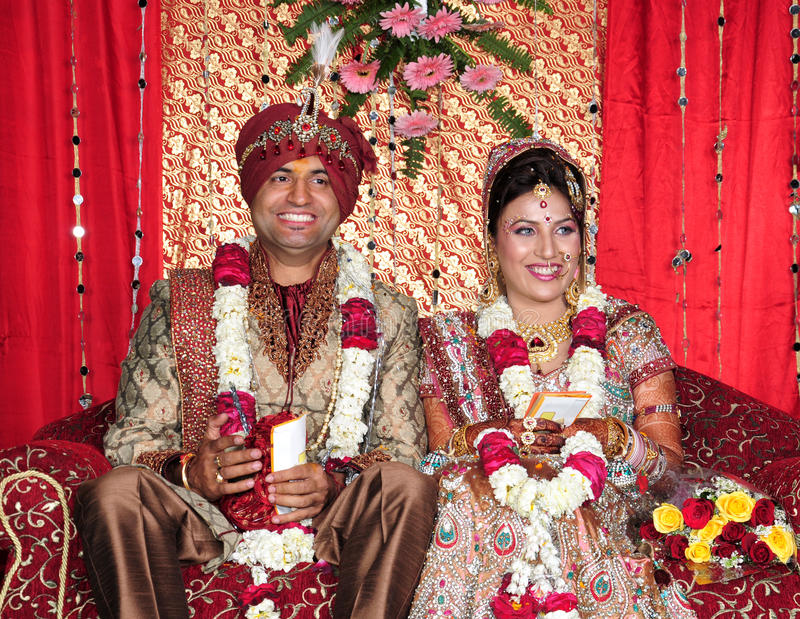 Sposa e sposo indiani immagine stock