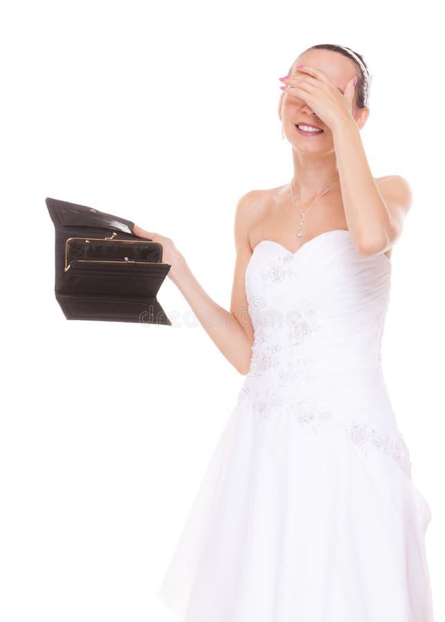 Sposa preoccupata con il portafoglio vuoto Spese di nozze fotografie stock libere da diritti