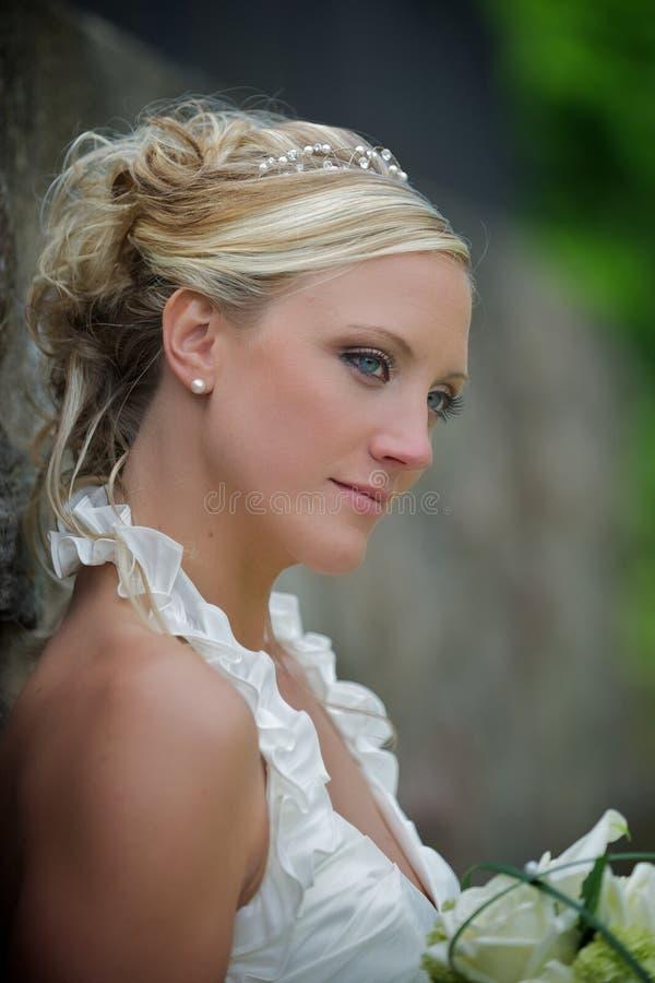 Sposa seria immagini stock