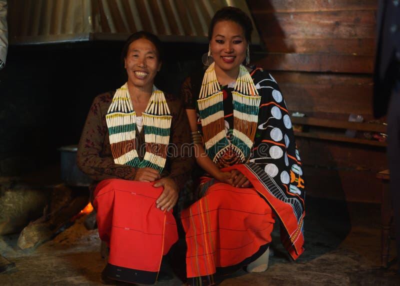 Sposa tribale del Naga in abbigliamento tradizionale fotografia stock libera da diritti