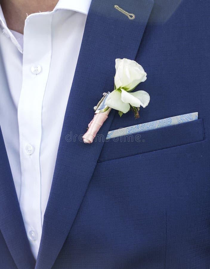 Sposo in vestito e sposa in vestito da sposa fotografia stock