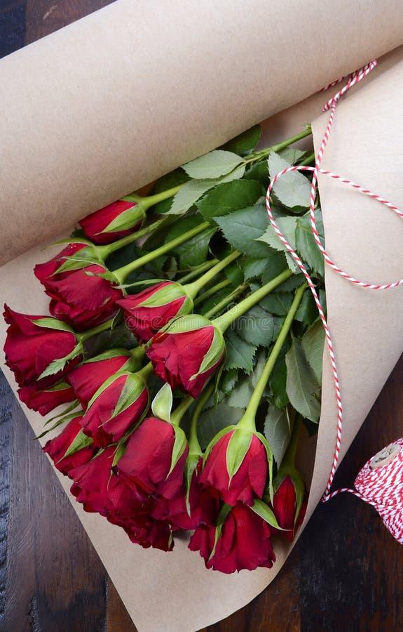 Spostamento del Valentine Red Roses fotografia stock libera da diritti