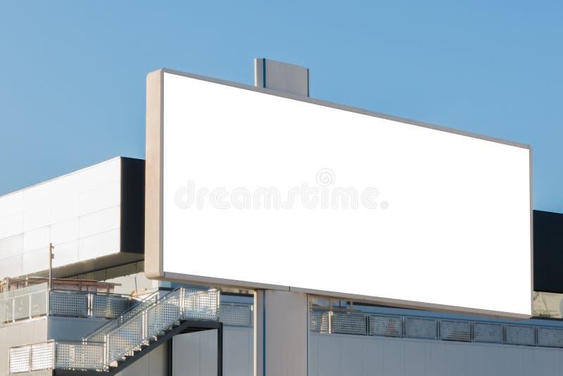Spot omhoog Leeg aanplakbord, informatieraad, reclameaffiche stock fotografie