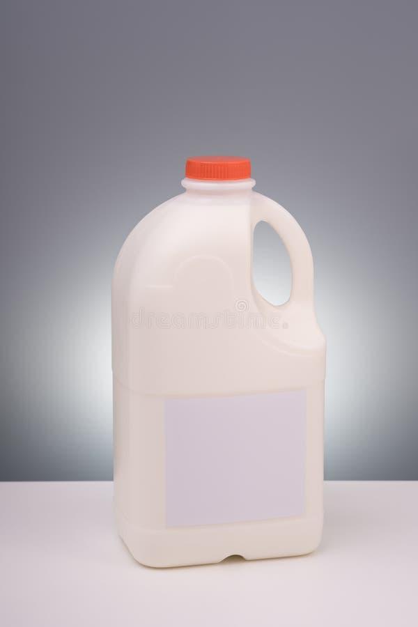 Spot op plastic gallon melk royalty-vrije stock afbeeldingen