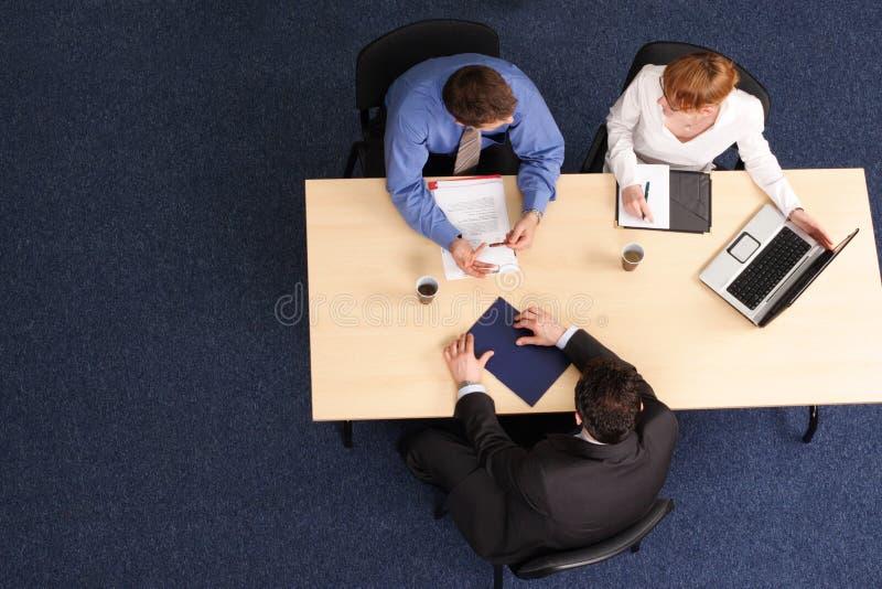 spotkanie biznesowe trzech ludzi obrazy royalty free