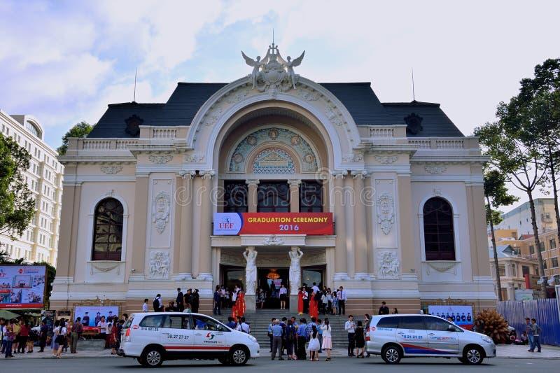 Spotkanie przy Ho Chi Minh miasta operą, Wietnam fotografia royalty free