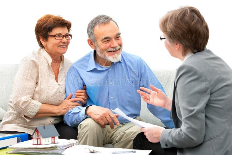 Spotkanie z agentem nieruchomości obrazy stock