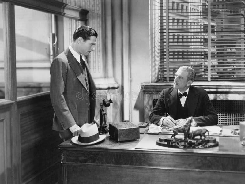 Spotkanie z szefem (Wszystkie persons przedstawiający no są długiego utrzymania i żadny nieruchomość istnieje Dostawca gwarancje  obrazy stock