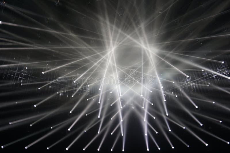 spotlights raios de conexão do fundo claro fotografia de stock royalty free