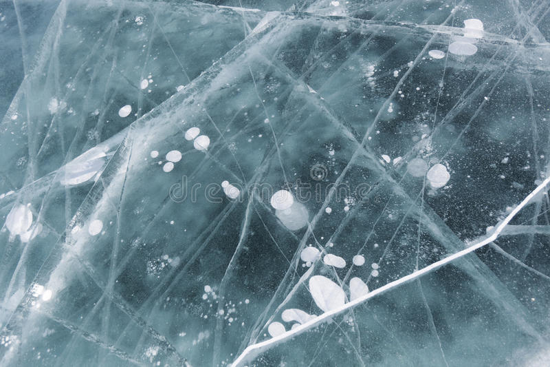 Sprünge im Türkiseis von Baikal See Winterbeschaffenheit; lizenzfreie stockfotografie