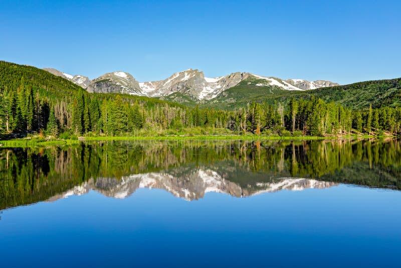 Sprague Lake Morning Reflection royaltyfri foto