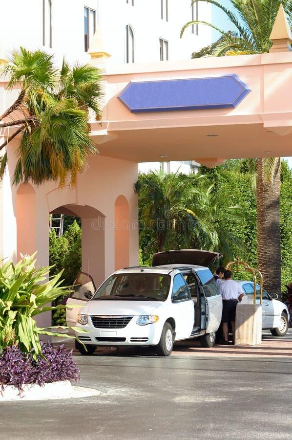 Download Sprawdź hotel zdjęcie stock. Obraz złożonej z tropikalny - 242946