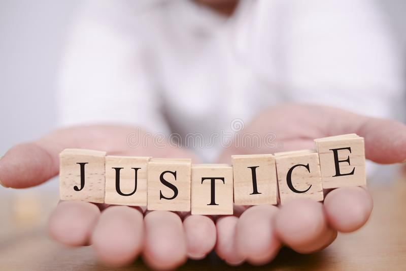 Sprawiedliwość, Motywacyjny słowo wycen pojęcie fotografia royalty free