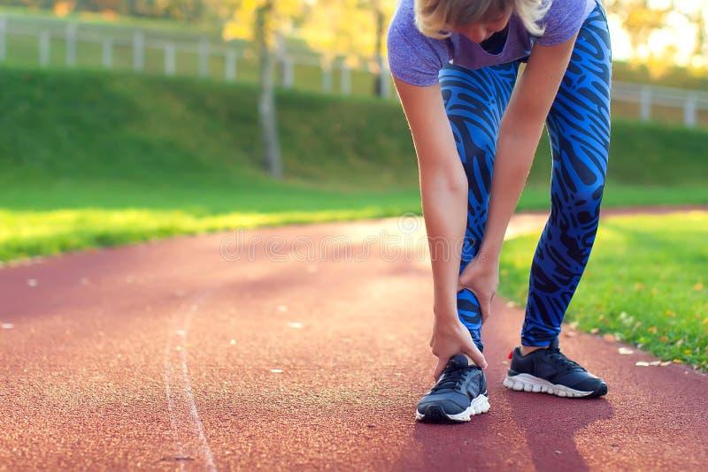 Sprawność fizyczna, sport, ćwiczyć i zdrowy stylu życia pojęcie, - potomstwa zdjęcie royalty free