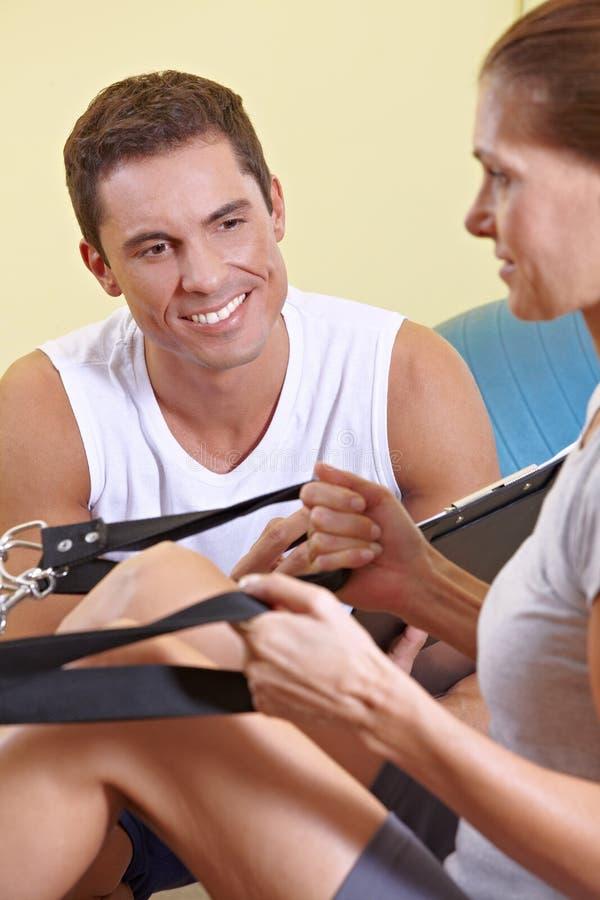 sprawność fizyczna target5207_0_ trenera kobieta zdjęcia royalty free