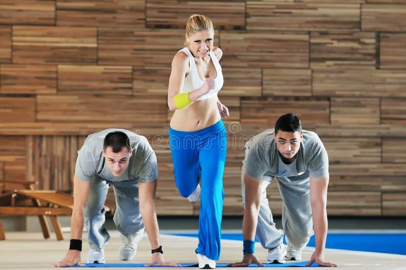Sprawności fizycznej grupy ćwiczenie obraz stock