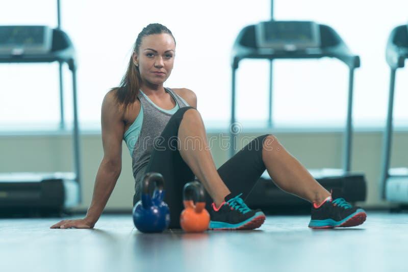 Sprawności fizycznej kobieta Odpoczywa Po ćwiczenia obraz stock