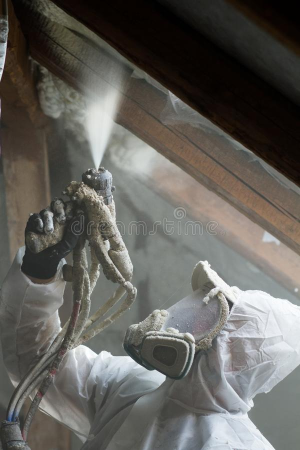 Spraypolyurethanschaum für Dach lizenzfreie stockbilder