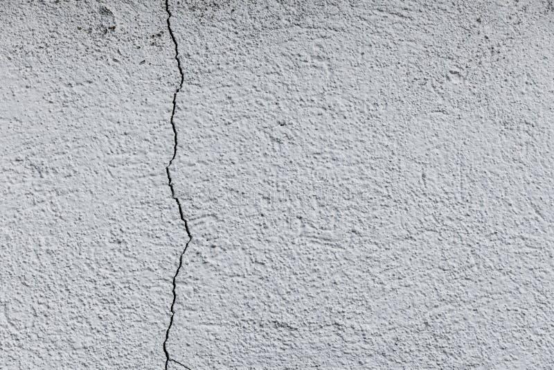 Spricka i en betongvägg fotografering för bildbyråer