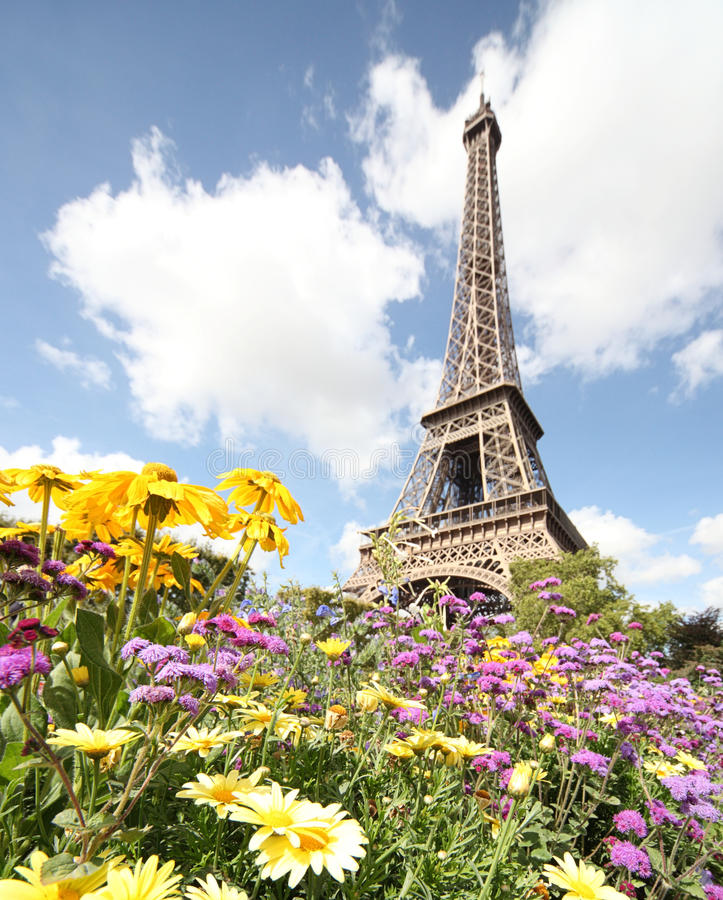Free Spring In Paris Royalty Free Stock Photography - 29541227