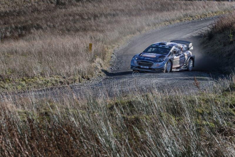 Springa för bil på Myherinen samlar spåret i Wales arkivbild