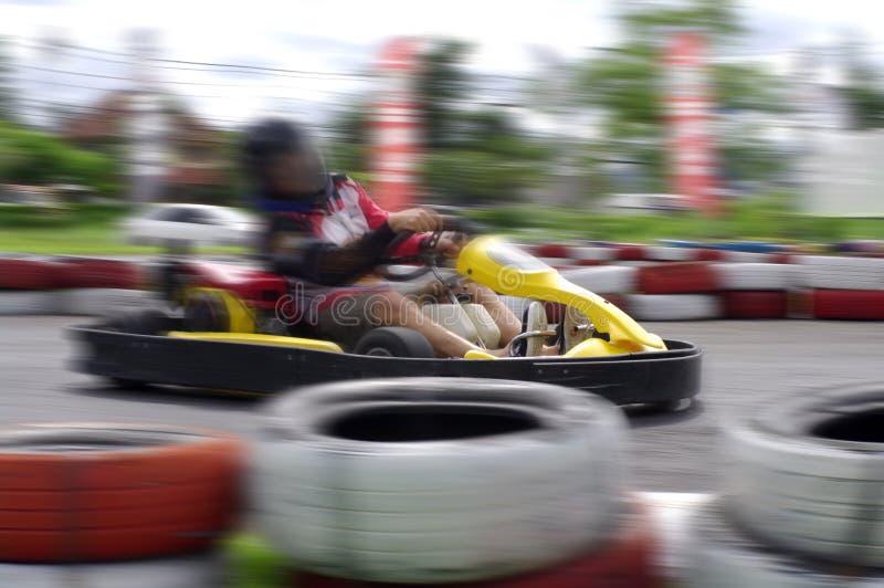 Springa för hastighetsgokart arkivfoto