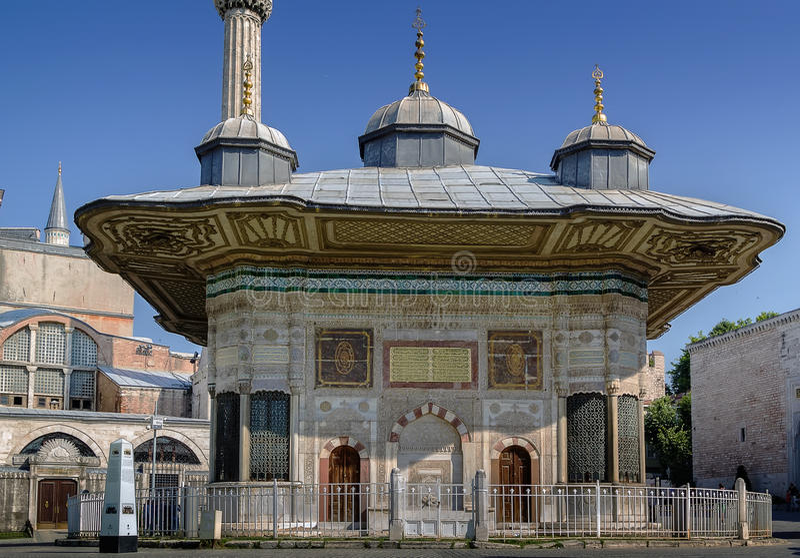 Springbrunn av Ahmed III, Istanbul fotografering för bildbyråer