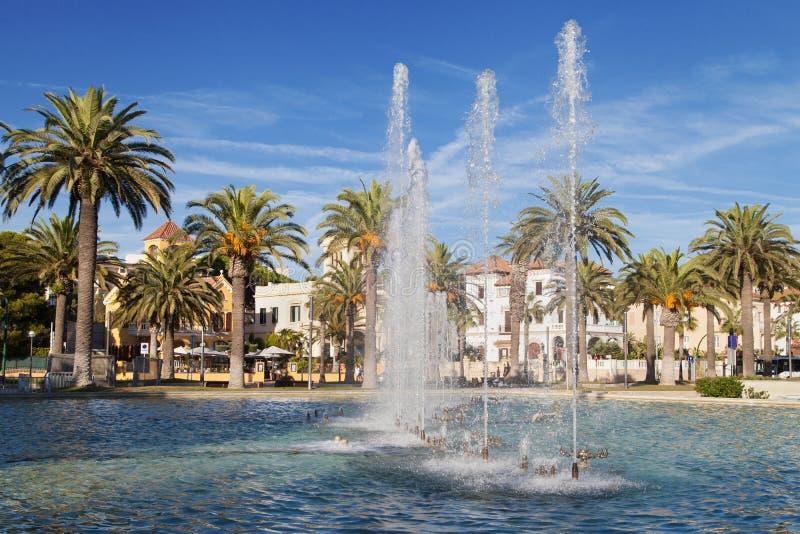 Springbrunn av promenaden av Salou royaltyfria bilder