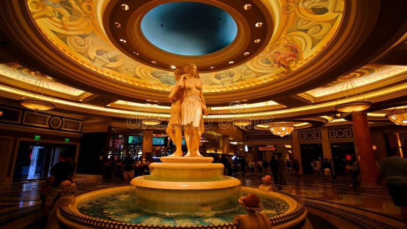 Springbrunn för tre systrar i lobbyen av Caesars Palacehotellet arkivbilder