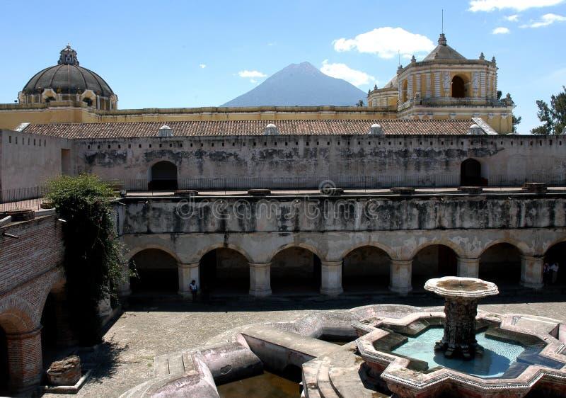 springbrunn guatemala royaltyfri foto