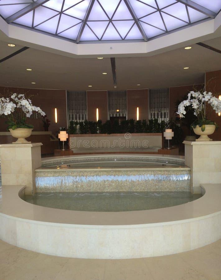 Springbrunn i Beverly Hills royaltyfri foto