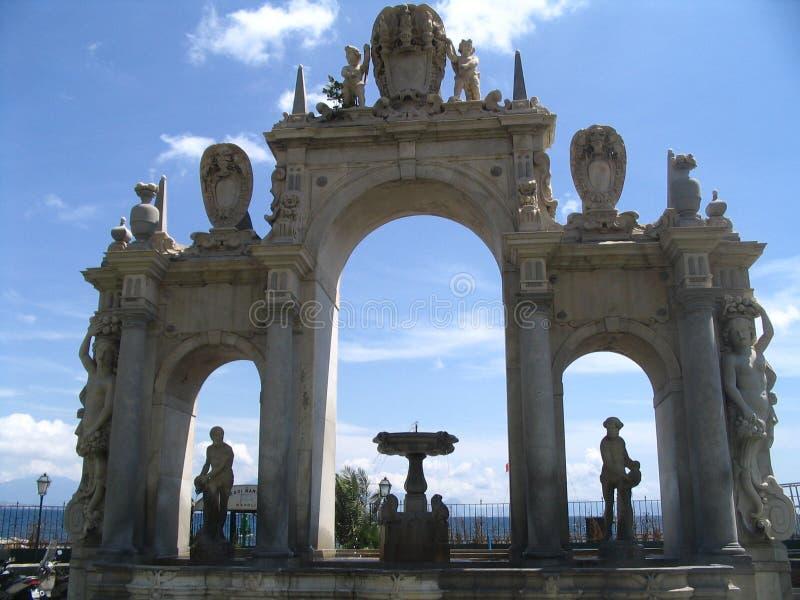 springbrunn naples royaltyfri bild