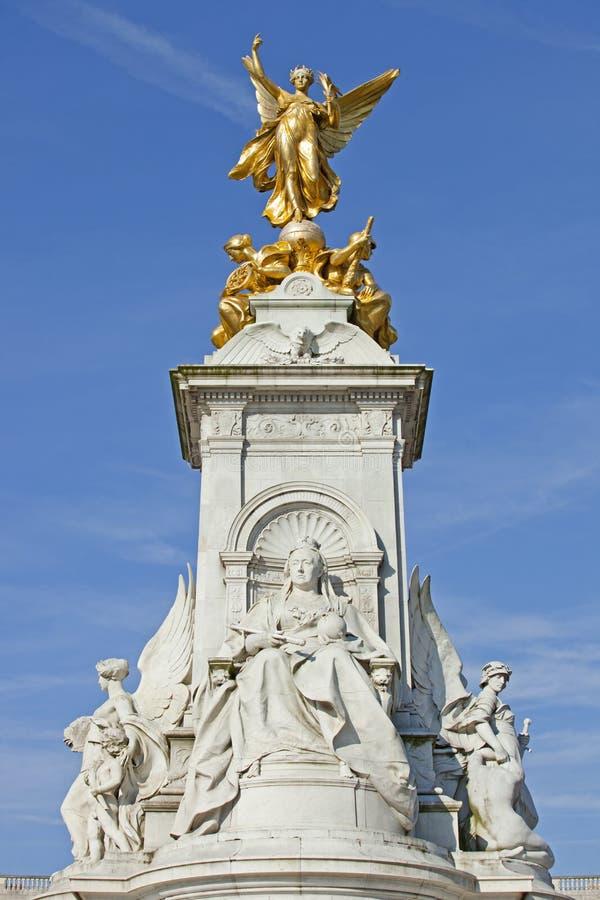 Springbrunn på Buckingham Palace royaltyfria bilder