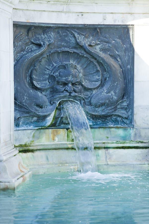 Springbrunn på Buckingham Palace royaltyfri foto