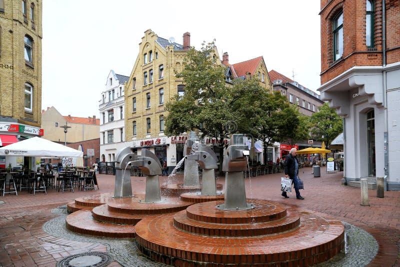 Springbrunn på den fot- gatalisteren Meile royaltyfri foto
