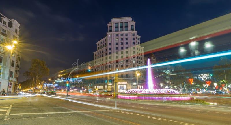 Springbrunn på gatan Gracia i Barcelona royaltyfria foton
