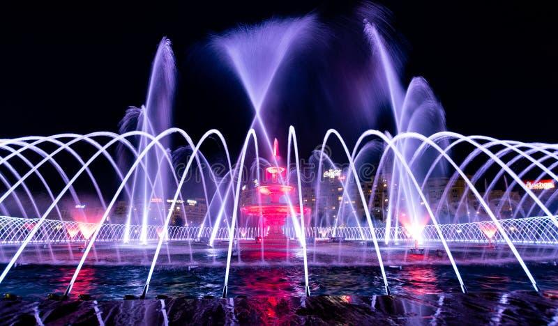 Springbrunnar i Bucharest Rumänien arkivbilder