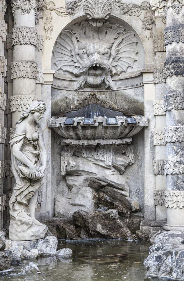 Springbrunnen i Zwinger arkivfoton