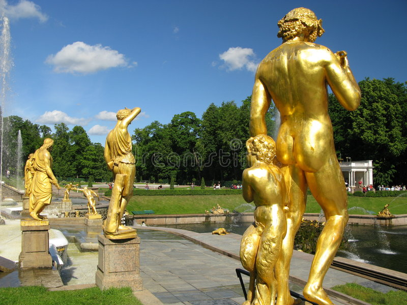 springbrunnen petersburg skulpterar st royaltyfri bild