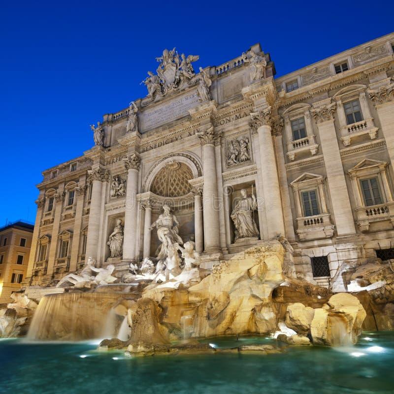 springbrunnitaly rome trevi arkivbilder