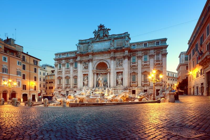 springbrunnitaly rome trevi royaltyfri foto